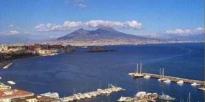 NAPOLI TRA TERRA & MARE : Tour in barca